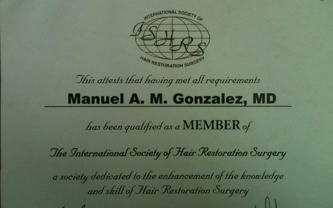 El Dr. Manuel Martínez miembro de ISHRS